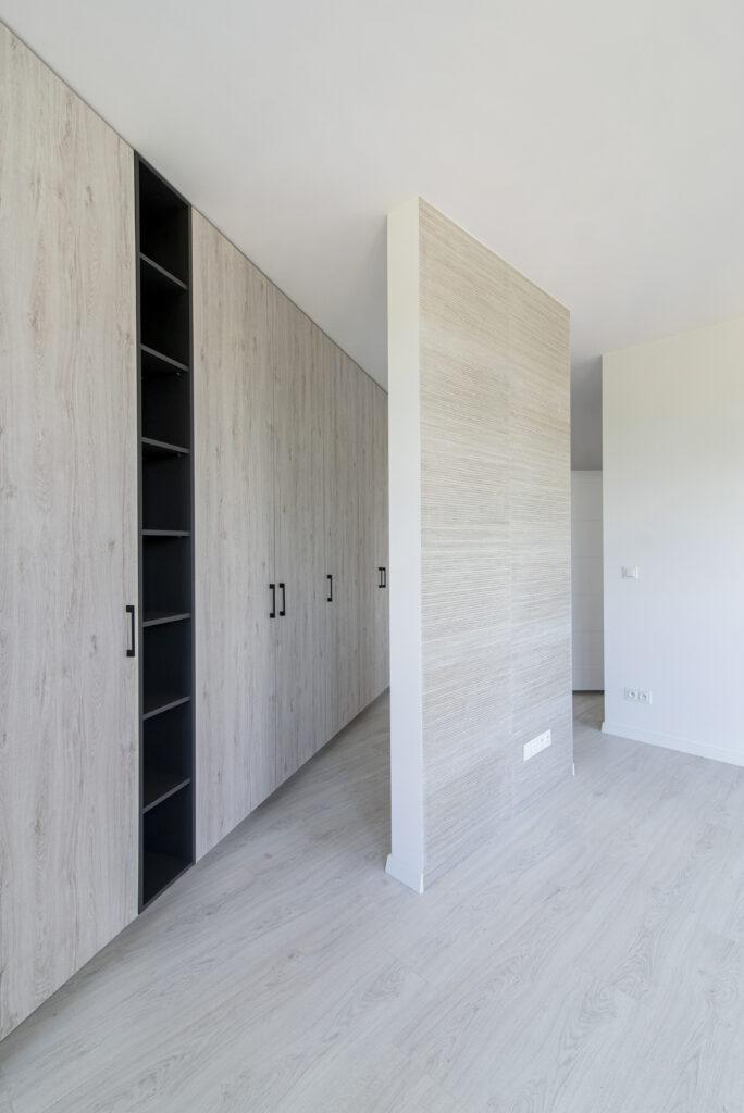 ścianka działowa w salonie