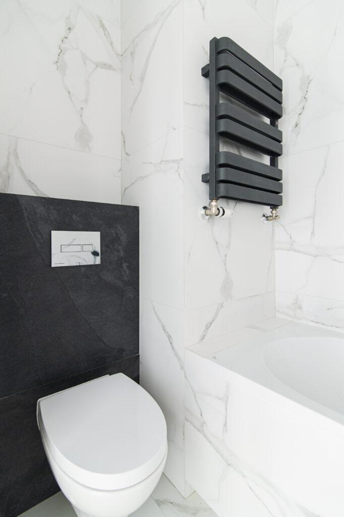 toaleta w marmurze