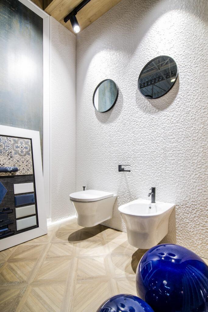 łazienka z wc podwieszanym