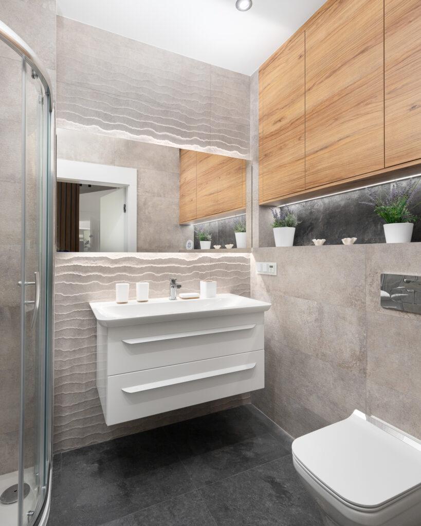 łazienka z kabiną