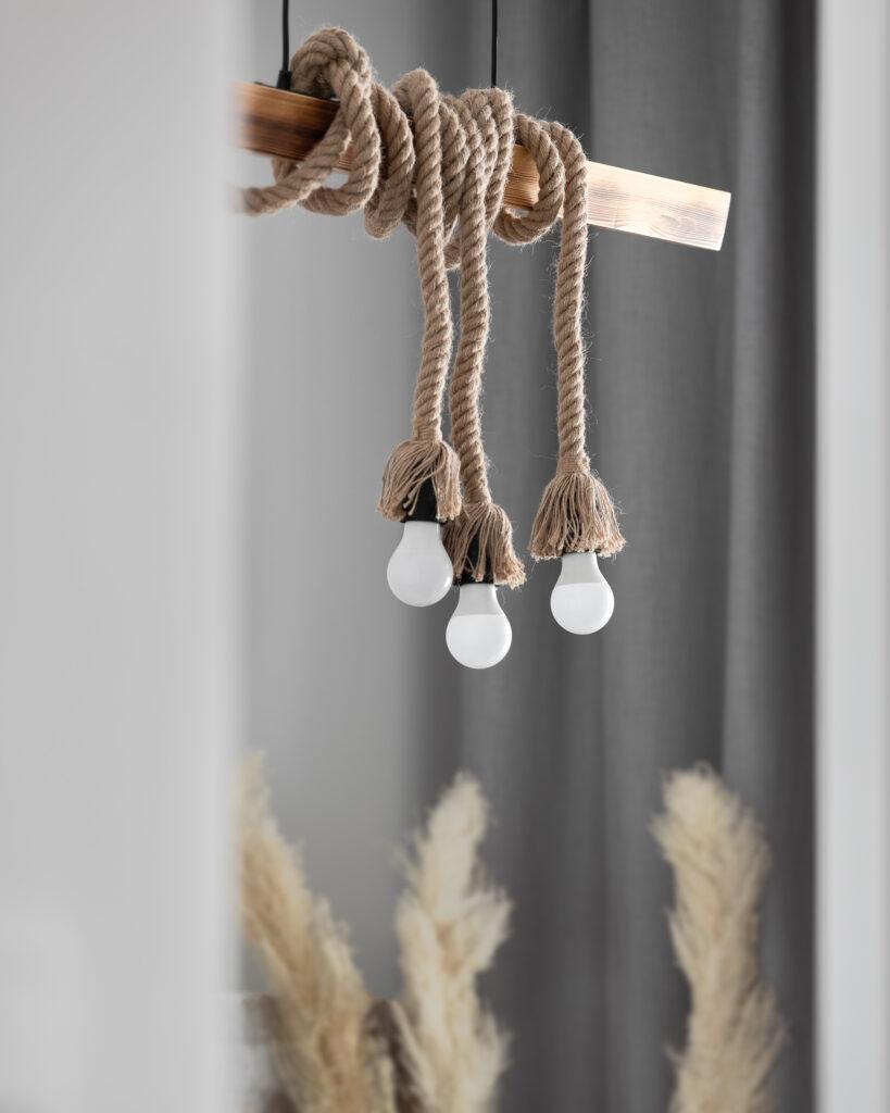 lampa w stylu manirystycznym