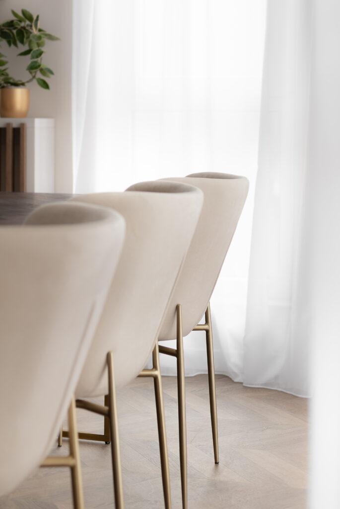 tapicerowane krzesła