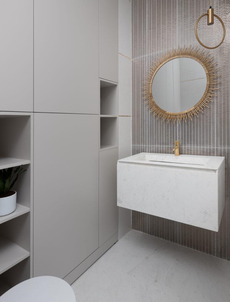 toaleta srebro i kamień naturalny
