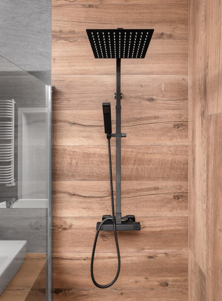 kabina z kolumną prysznicową