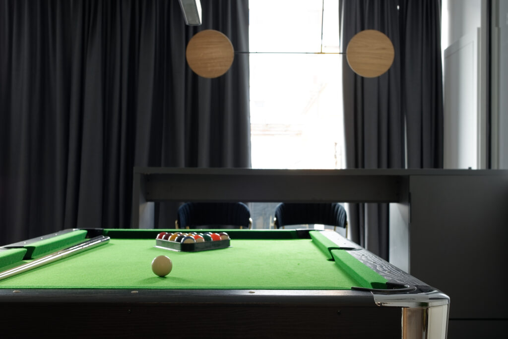 stół billardowy