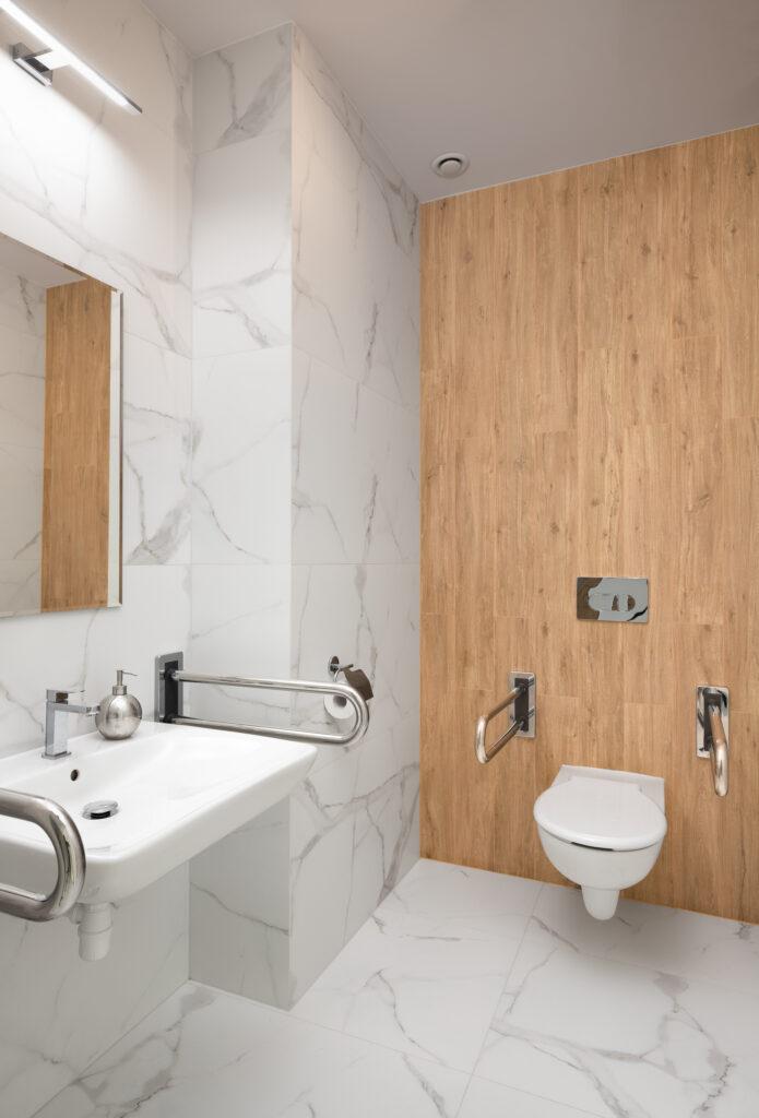 toaleta dla niepełnosprawnych